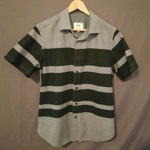 Ecko Unlimited Short Sleeve Button Up Shirt Small